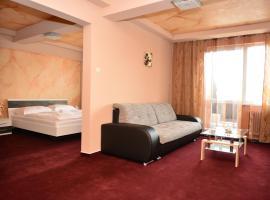 杜姆别尔酒店, 布雷兹诺