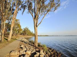 NRMA Lake Somerset Holiday Park
