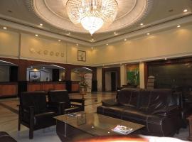 PLR格兰德托马索酒店
