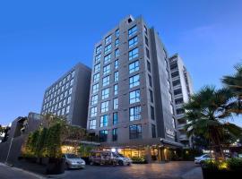 曼谷素坤逸12广场科母帕斯酒店
