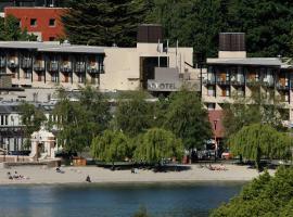 皇后镇湖畔诺富特酒店