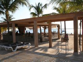 伊甸海滩度假村 - 博内亚