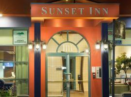 日落套房酒店,位于温哥华的酒店