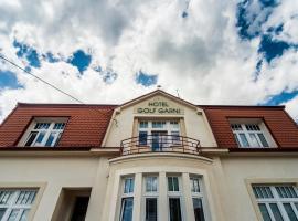加尼高尔夫酒店, 米库洛夫