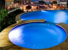 潘达纳斯曼特拉酒店