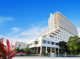 仲天海滩欢迎酒店