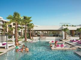 Breathless Riviera Cancun Resort & Spa - Adults Only,位于莫雷洛斯港的度假村