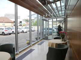 坡普尔卡酒店