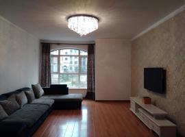 135平3室2厅2卫豪装大宅可住10人公寓