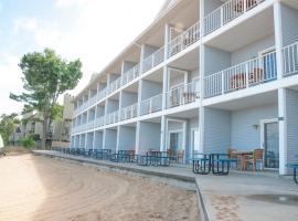 海滩度假大酒店, 特拉弗斯城