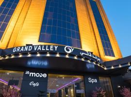 Grand Valley Hotel