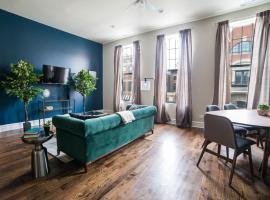Three-Bedroom on N Halsted Street Apt 2
