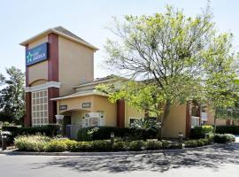 杰克逊维尔南部圣约翰斯镇中心美国长住公寓式酒店
