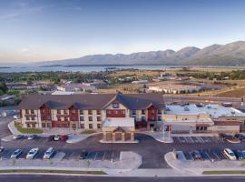 波尔森红狮水岭酒店和套房, Polson