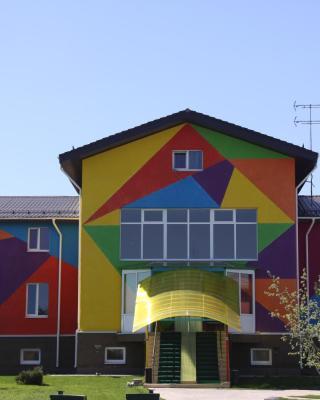 奥罗拉多莫德多夫旅馆