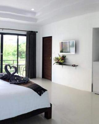 卡马拉海滨服务公寓