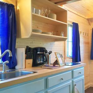 Leavenworth Camping Resort Tiny House Belle