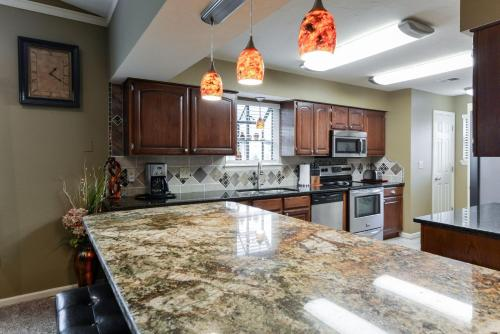 Luxury Condos at Thousand Hills - Branson -Beautifully Remodeled