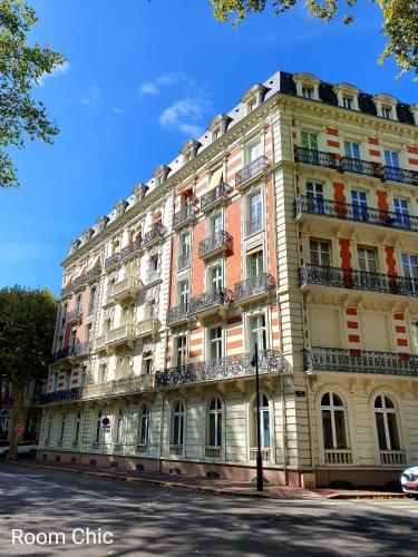 Room Chic - Les Ambassadeurs