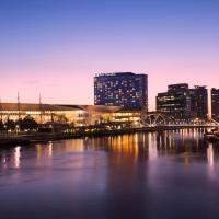 墨尔本泛太平洋酒店,位于墨尔本的酒店