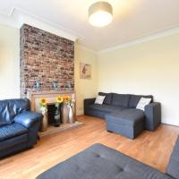 6 Bed Apartment Slps 16 on Otley Run (65)