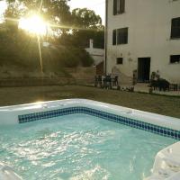 卡萨莱阿尔隆蒂尼住宿加早餐旅馆,位于Notaresco的酒店