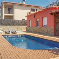 Five-Bedroom Holiday home Collbató with a Fireplace 01