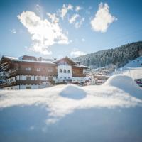 蒙特纳洛阿尔卑斯美食酒店,位于弗拉绍的酒店