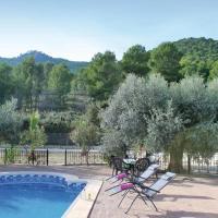 Three-Bedroom Holiday Home in Moratalla