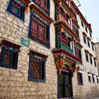 香巴拉宫殿酒店,位于拉萨的酒店