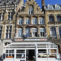 Hotel Old Tom,位于伊普尔的酒店