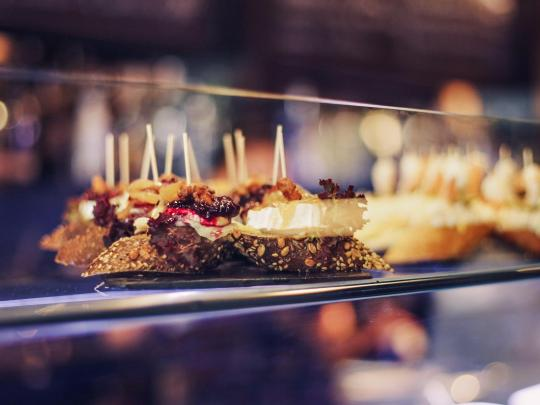 因为美食爱上一个地方,西班牙七大tapas美食之城