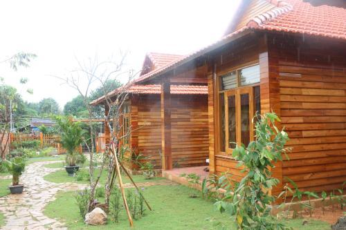 Green Ruby villas