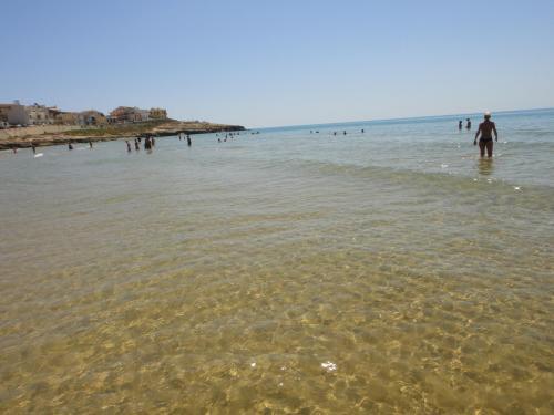 Ugo al mare a Cava D'Aliga