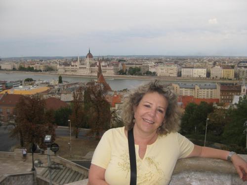 Alicia Berstein mananger Holiday Raanana