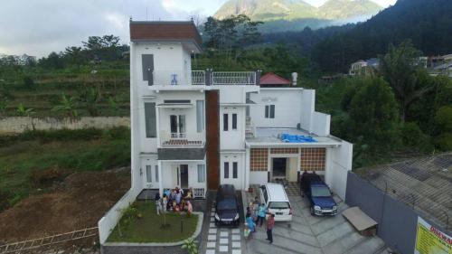 Villa degan view G. Arjuno & G.Panderman
